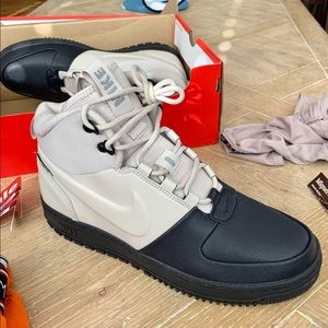 Nike Path Winter Mid size 11 us